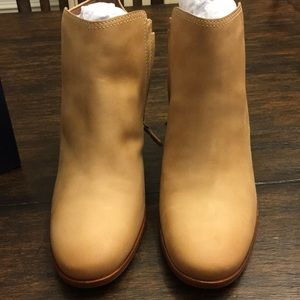 Cole Haan Chesney booties 9B Cremini